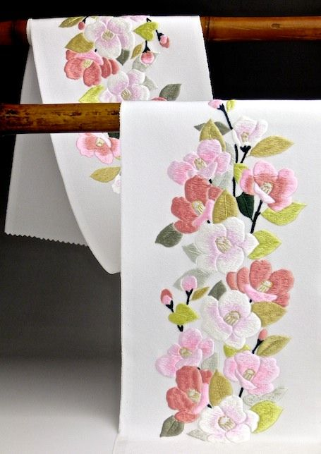 collar for kimono 丹後産 正絹手刺繍半襟(絹100%) 椿