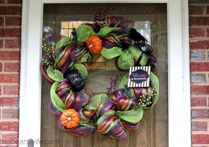 halloween deco mesh wreath tutorial big bears wife deco mesh deco mesh wreath tutorial and mesh. Black Bedroom Furniture Sets. Home Design Ideas