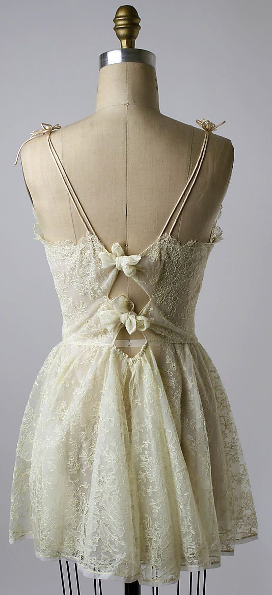 Short Nightgown back, circa 1956