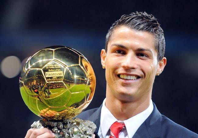 """Como Português desejo que o CR7 traga a 3° bola de ouro para o nosso lindo Portugal """"Good luck CR7"""""""