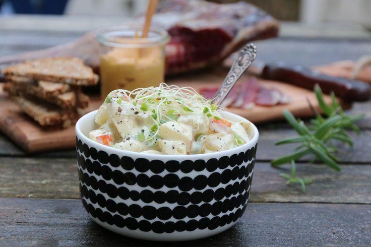Tind lammelår med potet- og eplesalat + HUSK SYLTEAGURK OG LITT MER EPLE