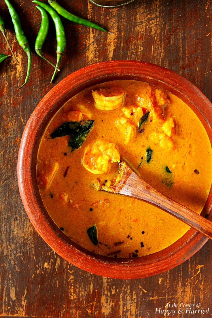 Shrimp Coconut Curry {Kerala Style Chemmeen Curry} by indiansimmer #Curry #Shrimp #Coconut