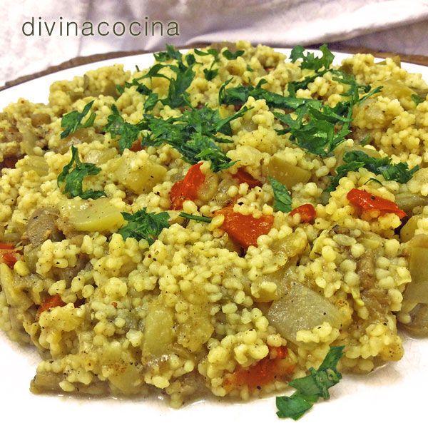 Este cuscús con verduras lo puedes personalizar con verduras a tu gusto. Le van también muy bien la calabaza, la zanahoria, el nabo y la cebolla. Puede servirse solo o acompañando carnes de cordero o de pollo.