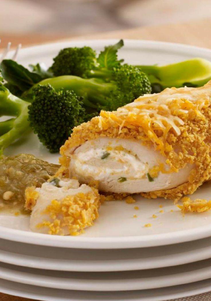 Cremoso pollo con relleno de jalapeño preparado con anticipación- Una receta rellena con queso crema y jalapeños es muy sencilla de hacer! Sírvelo con brócoli al vapor.