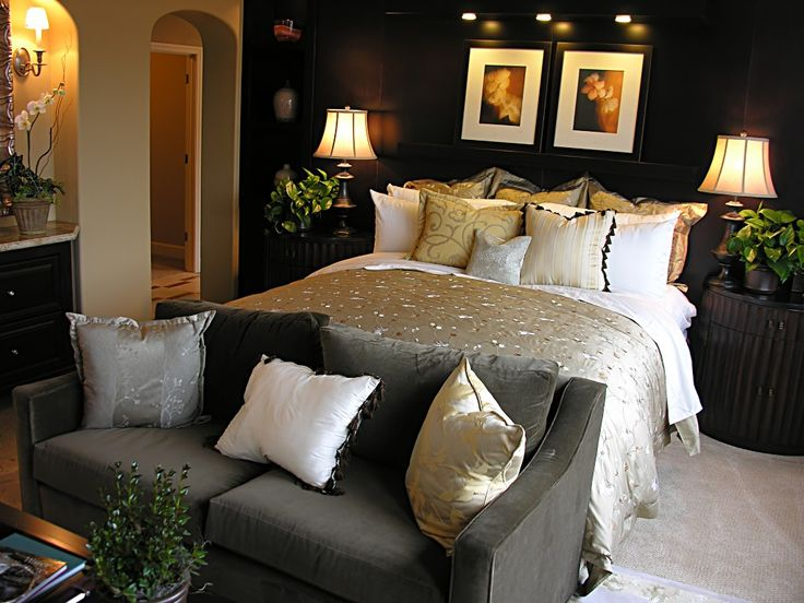 .Beds, Bedrooms Design, Living Room, Master Bedrooms, Bedrooms Decor Ideas, Bedrooms Ideas, Black Wall, Dark Wall, Accent Wall