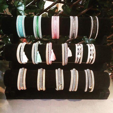 Notre coup de cœur aujourd'hui, c'est la collection Magnetix ! Dispo sur Crazydiams.com ou dans notre boutique ;) #Crazydiams #magnetix #becreative #style #tuttifrutti #fullcolor ##boutique #Paris #Asnières #chill #bracelet #bijoux #photopro