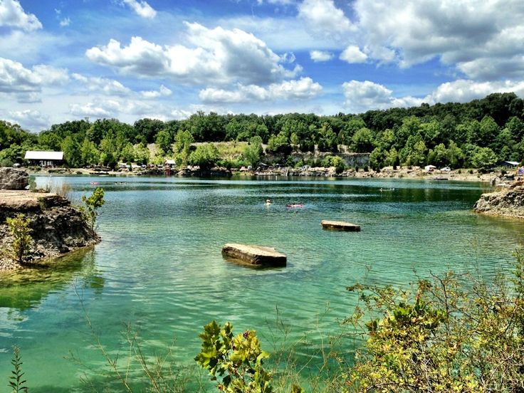 When it comes to a swimming spot in Kentucky with pristine waters, you will find the Quarry to be perfect. Here are 8 reasons to swim at Falling Rock Park.