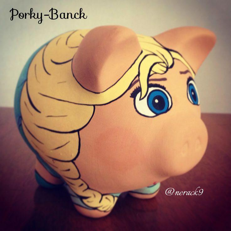 #Porky Elsa - Alcancía pintada a mano. Hand painted Ceramic #PorkyBank Personalized By @neack9 #Money #frozen #Disney #HechoEnMexico