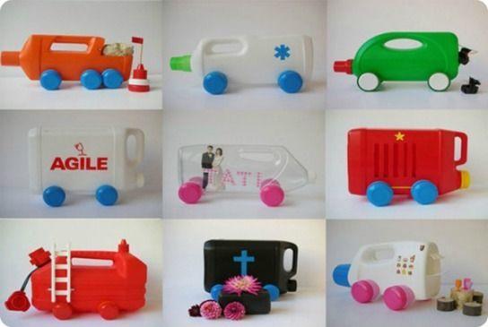 Capita a tutte le #mamme di avere #bottiglie vuote di #detersivi usati che vengono prontamente gettate nel raccoglitore della #plastica. E se con queste giornate autunnali ci facessimo dei #giocattoli per i nostri #bimbi? Niente di più semplice! vediamo più di 15 #giochi diversi...  LEGGI L'ARTICOLO QUI>>> http://www.arredabook.it/index.php/arredare-riciclando/570-spuntano-giocattoli-dai-flaconi-di-plastica-riciclo