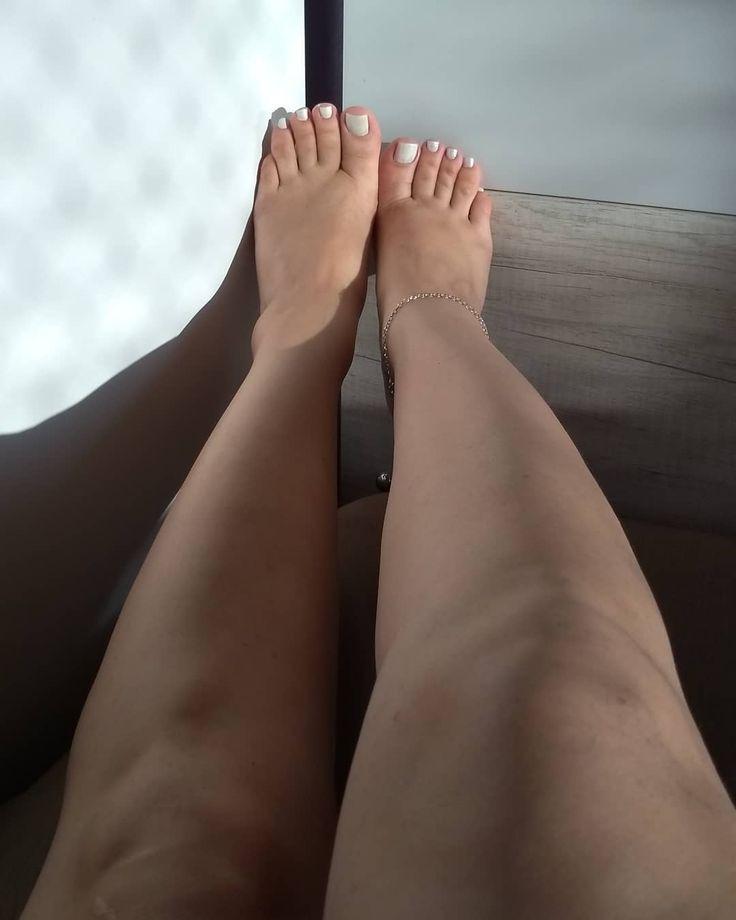 Фото самых красивых женских ступней постоянно участвует
