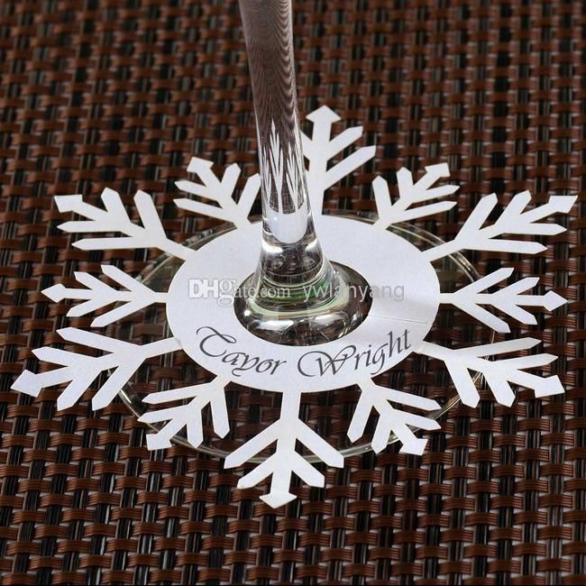 Snowflake place cards. Perfect for a Frozen themed wedding!