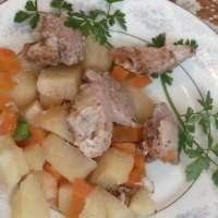 Жаркое из свинины в горшочках, видео рецепт