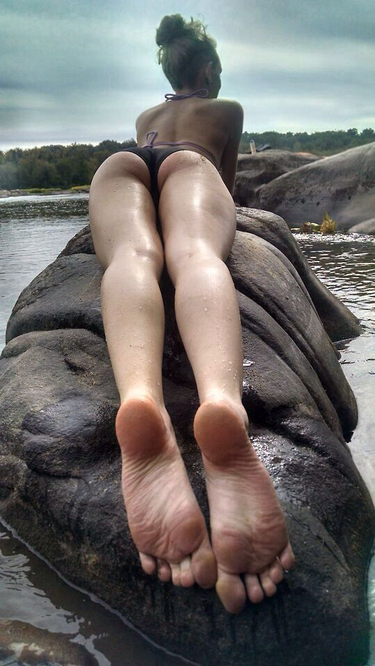 Candid awesome toe feet rubbing dirty soles 4