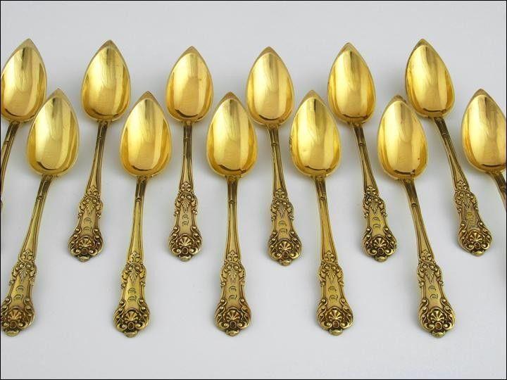 Set of 12 grapefruit spoons in original case, Paris