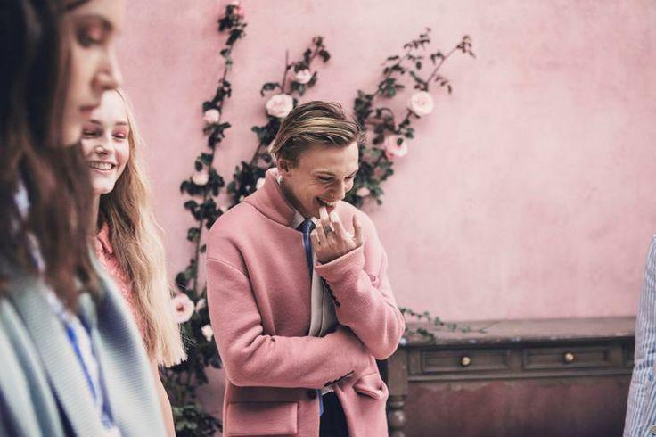 Катрин Денев и София Коппола для Louis Vuitton, ресницы Кэти Перри в музее и молодежь в Burberry | Interview Россия