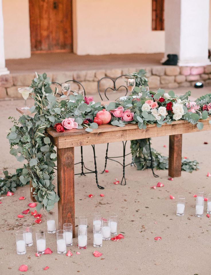 california meets old world romantic sweetheart table