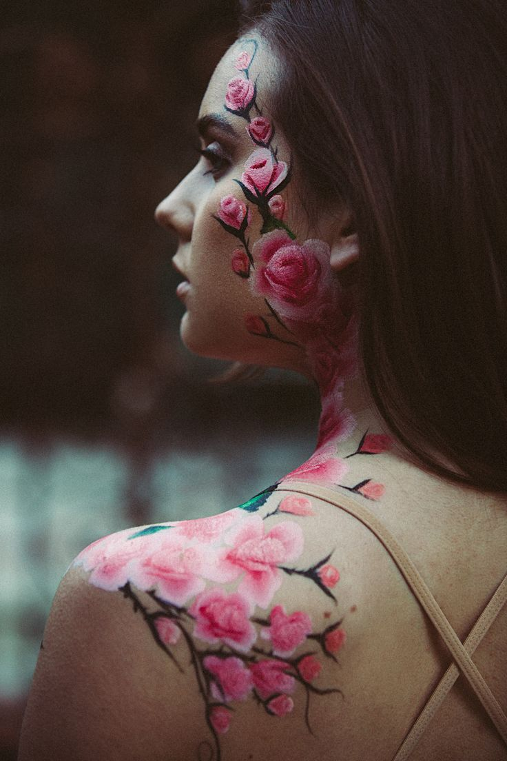Congratulations Ardren Rose for getting 1 million subscribers :) love the roses body art work!