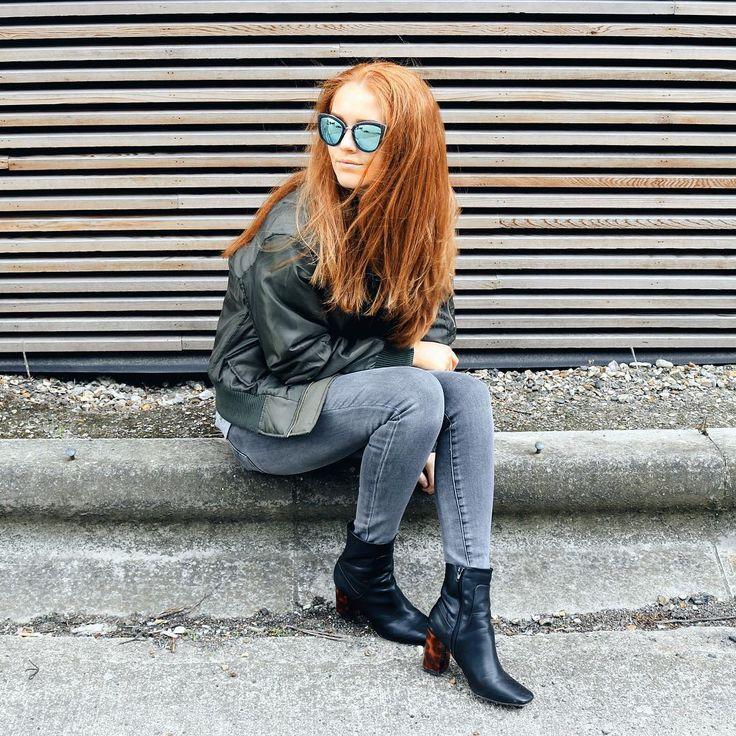 Boohoo bombers// Autumn styling @kirstyeelizabeth