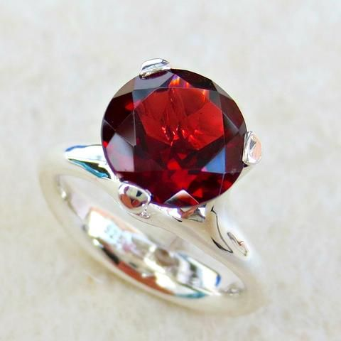 """Decidedly sinful but elegantly simple.  This is the kind of """"princess"""" rings you would have dreamed about as a little girl."""