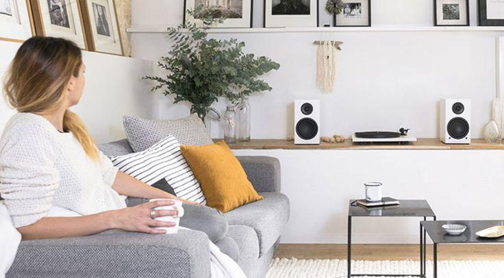 Ein aktives Kompakt-Lautsprecher-System präsentiert Triangle mit der neuen Triangle Elara LN01A, das sich als besonders flexible All-in-One Lösung präsentiert.