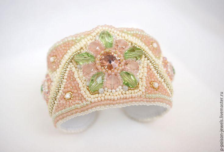 """Купить Браслет """"Сакура"""" - разноцветный, бежевый, зелёный, персиковый, бледно-розовый, браслет, сакура"""