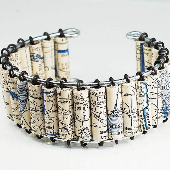 Sieraden - Upcycled zwart / wit VS kaart Manchet armband, papier parel sieraden, papier sieraden, eerste verjaardag cadeau kaart