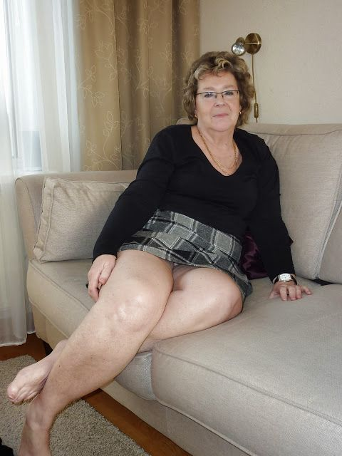 Perfect thick legs old granny cock