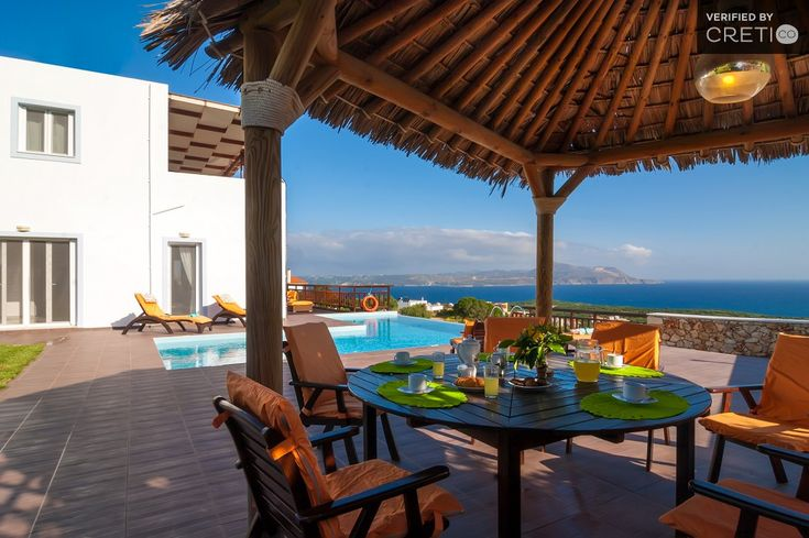 Holiday villa rental in Chania. Luxury villa overlooking the canyon backgrounded by blue sea. The villa was built in 2009. Situated in an idyllic locat...
