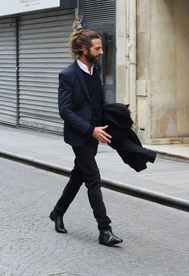 ネイビージャケット,ブラックパンツ,サイドゴアブーツメンズファッション着こなしコーデ