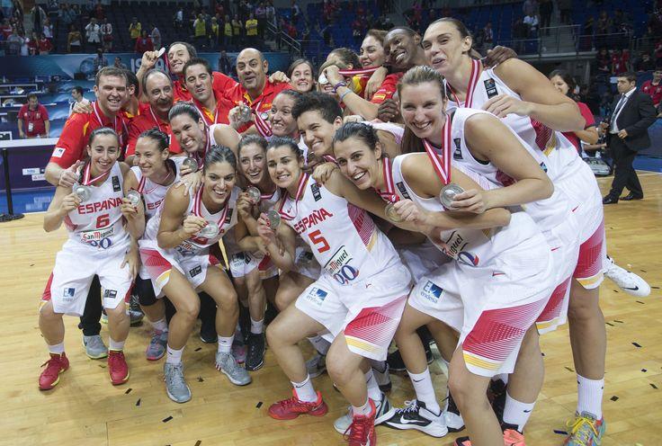 Las 12 jugadoras de la Selección Española de Baloncesto Femenino. Resumen y análisis de su paso por el Mundial de Baloncesto de Turquía.
