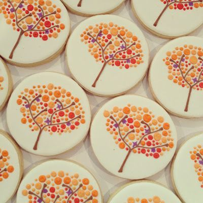 Seriously STUNNING cookies by my friend Holly... The Doughmestic HousewifeThe Doughmestic Housewife