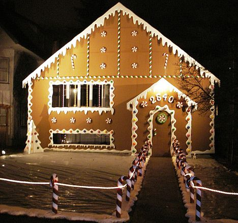 1000+ ideas about Christmas Lights Outside on Pinterest | Xmas ...:Life Size Gingerbread House...pvc pipe with red duct tape stripes candy  canes with holes drilled through to run rope lights as a fence and/or  lining the ...,Lighting