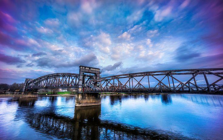 Scheußlich diese Industrielandschaft hier. | 27 Gründe, warum Du nie nach Magdeburg fahren darfst