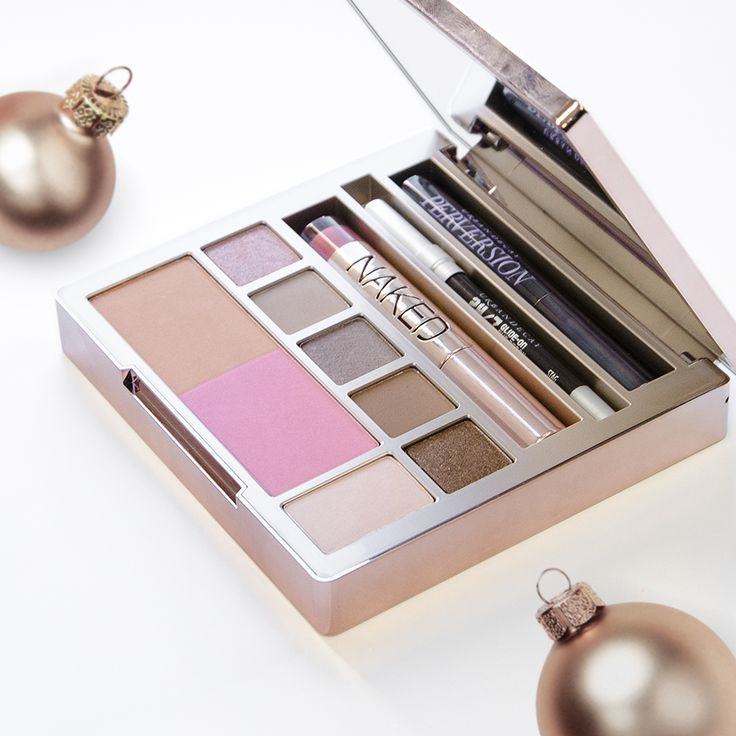 Coming soon! The limited-edition Urban Decay Cosmetics Naked on the Run all-in-one palette will be available online December 1. #NakedOnTheRun #beauty