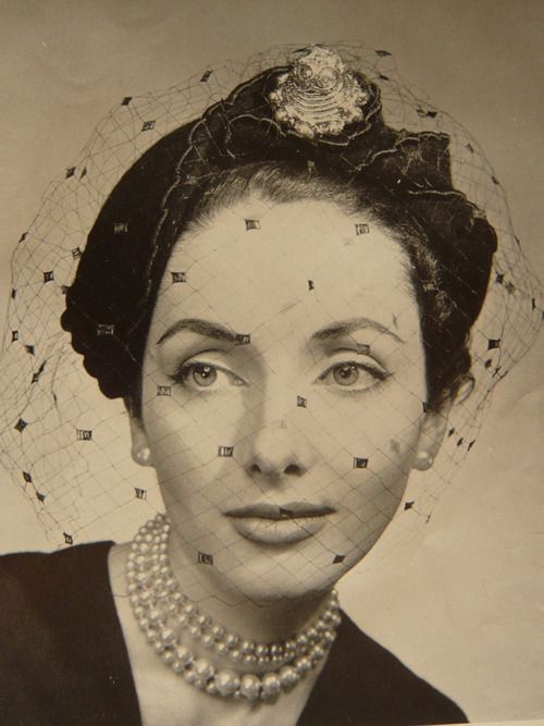 1950s hats with veils | Pearls & a hat with a Veil - simple yet elegant | 1950s #beauty #eyebrows