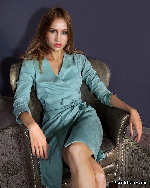 Платье на запах из замши,Welldress