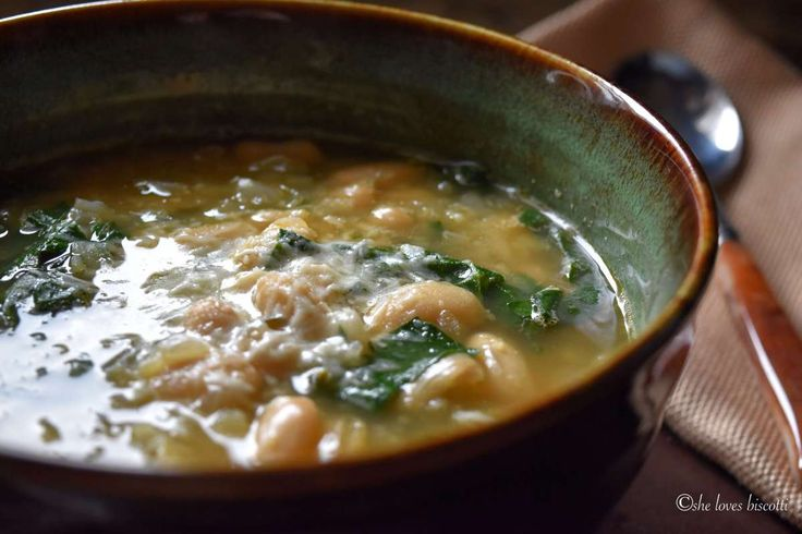 Easy White Kidney Bean and Spinach Soup