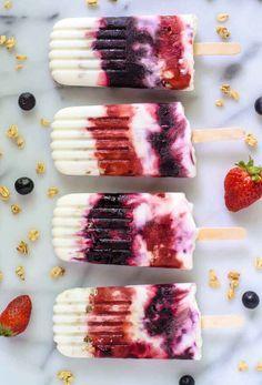 Paletas parfait de yogur con frutas