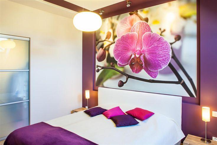 Dom w kolorze lawendy - wystrój wnętrz w fioletach, fuksja - zobacz więcej na www.amarantowestudio.pl