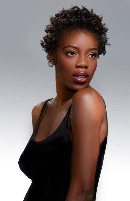 Siyah Kadınlar İçin Siyah Saç Modelleri