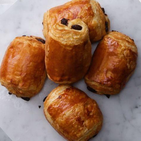 Homemade Chocolate Croissants // #croissants #breakfast #pastry #painauchocolat #tasty