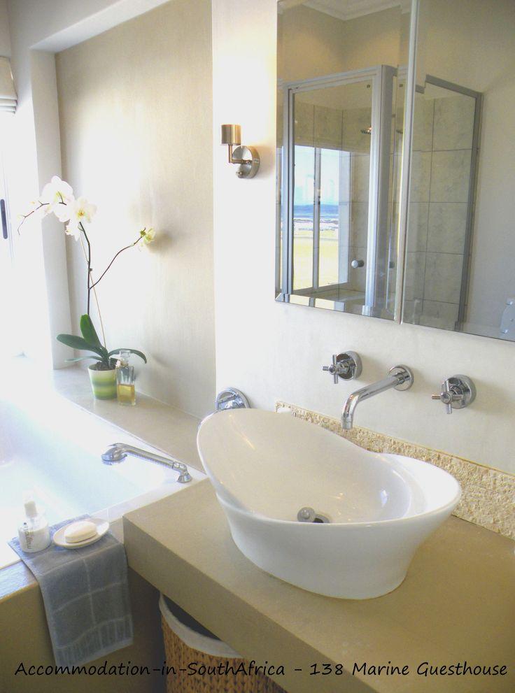 Beautiful bathrooms. 138 Marine Beachfront Guesthouse Hermanus. Hermanus Accommodation. Accommodation in Hermanus. Guesthouses in Hermanus. Hermanus Guest houses