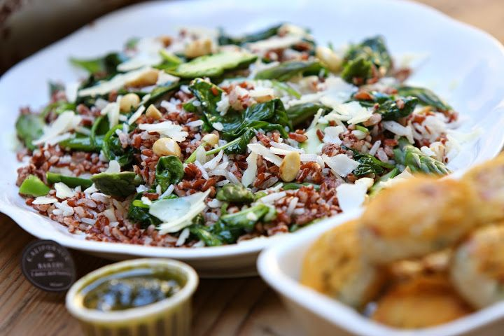Red rice salad with asparagus and walnuts by California Bakery