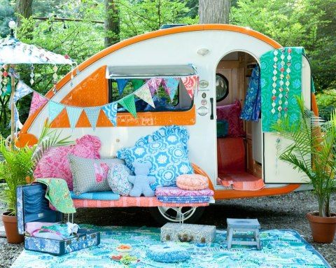 caravan fun...days and nights of summer for sure....would like this one for sure :)