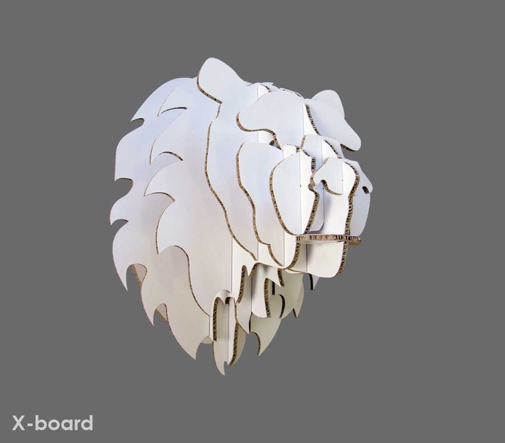 Medium Xanita board lion trohpy head