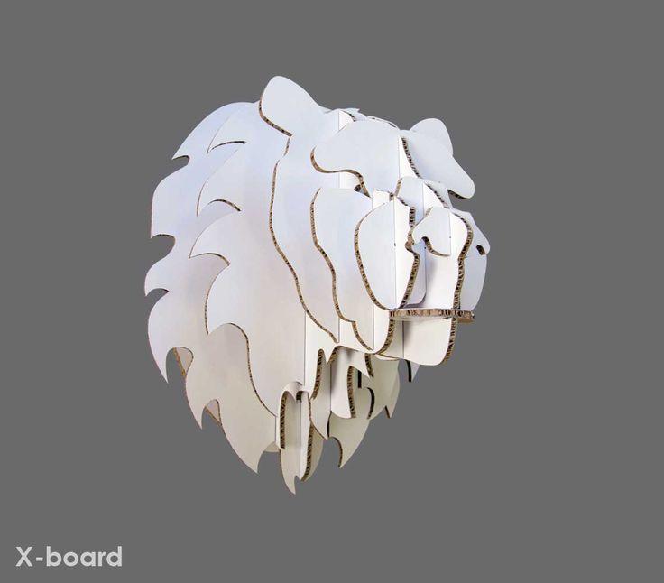Medium Xanita board lion trohpy head