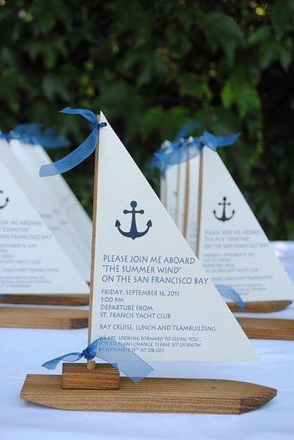 Una invitación en forma de barco para las bodas en la playa                                                                                                                                                     Más