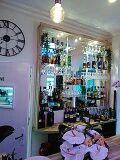 Bar étagère verre éclairée O'jardin Secret suresnes restaurant italien