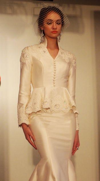nice for a winter wedding // INAI RED kebaya