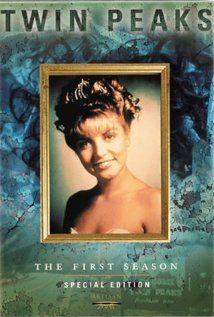 An idiosyncratic FBI Agent investigates the murder of a young woman in the even more idiosyncratic town of Twin Peaks.